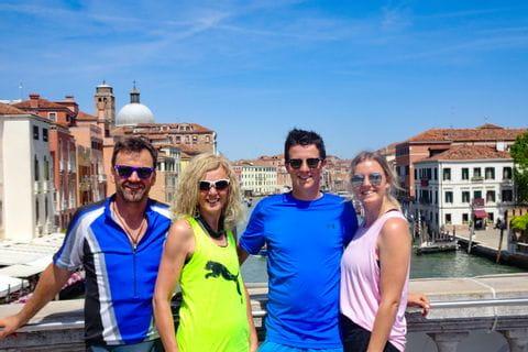 Selina Familie Gruppenfoto in Venedig