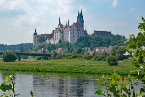 Schloss am Radweg von Dresden nach Weimar