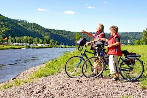 Radpause am Weserufer