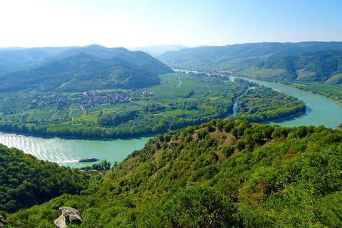 Panoramablick auf die Donau