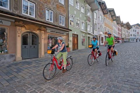 Eurobike Radler im Zentrum von Bad Tölz