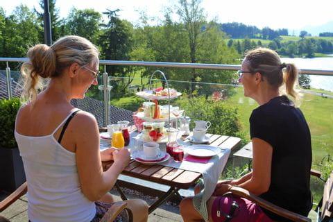 Breakfast at the Weissensee in the Hotel Dreimäderlhaus