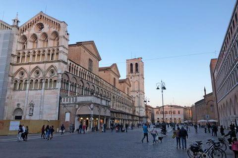 Stadtplatz in Ferrara