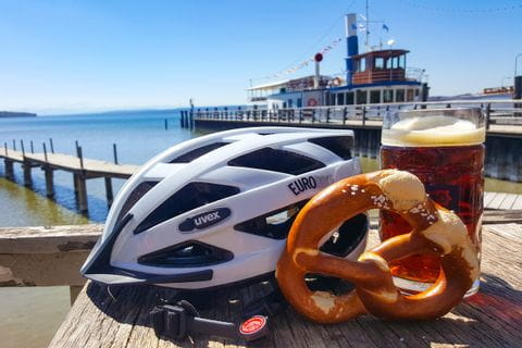 """Break with beer and """"brezel"""" on the lake Ammersee"""