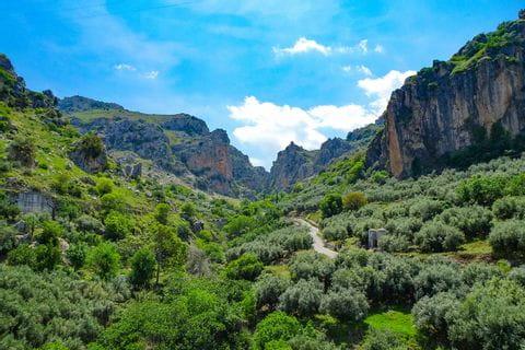 Zuheros Felsen in Andalusien