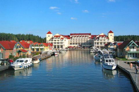 Blick auf das Hafenhotel Rheinsberg
