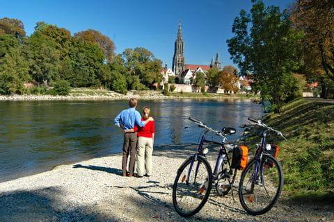 Donau mit Ulm im Hintergrund