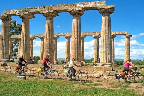 Tavole Palatine with cyclists