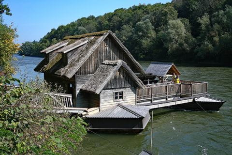 Ölmühle am Wasser