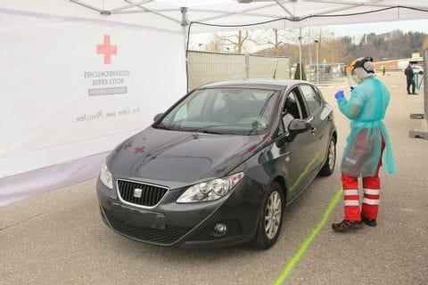 Corona Drive in Station des österreichischen Roten Kreuzes