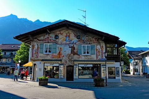 Haus mit Bayerischer Malerei Garmisch