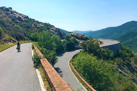 Serpentinen Radweg entlang der Turin nach Sanremo Radreise