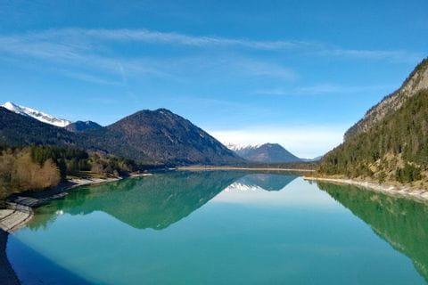 Ausblick auf den zauberhaften Sylvensteinsee