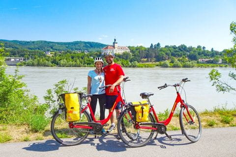 Cathi und ihr Mann am Donau-Radweg