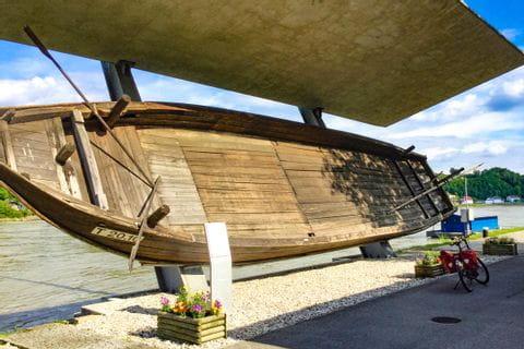 Aschach altes Schiff