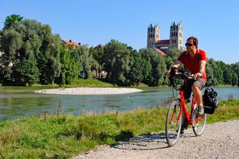 Cyclist on Isar cycle path