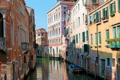 Kanal in Venedig am Zielort der Radreise von Bozen nach Venedig
