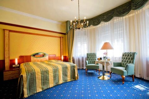 Rooms in Häckers Grand Hotel