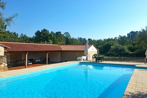 Swimming Pool eines Hotels