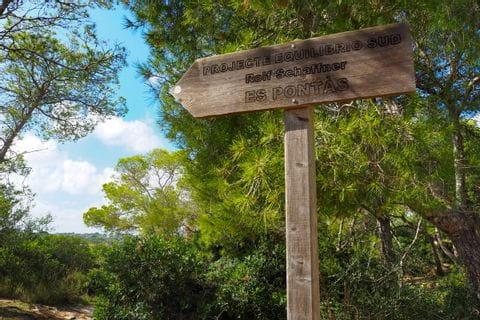 Wegweiser zum Aussichtspunkt Es Pontas